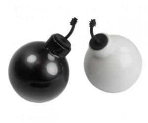 Idee Regalo Originali Per La Cucina Spargisale A Forma Di Bombe