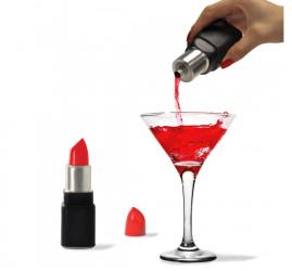 idee regalo originali per la cucina fiaschetta per alcolici a forma di rossetto